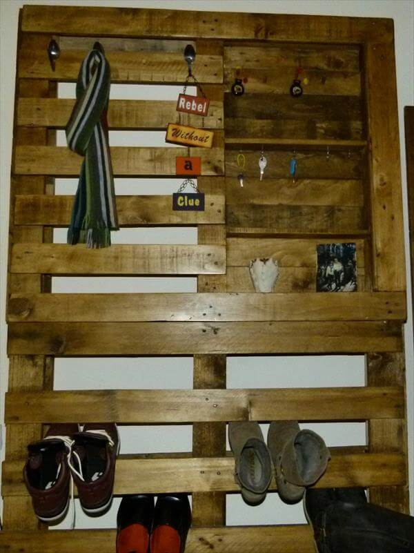 Pallet Shoe And Coat Rack Pallet Furniture DIY