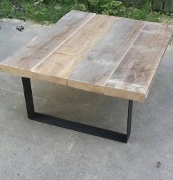 Handmade pallet coffee table with steel legs