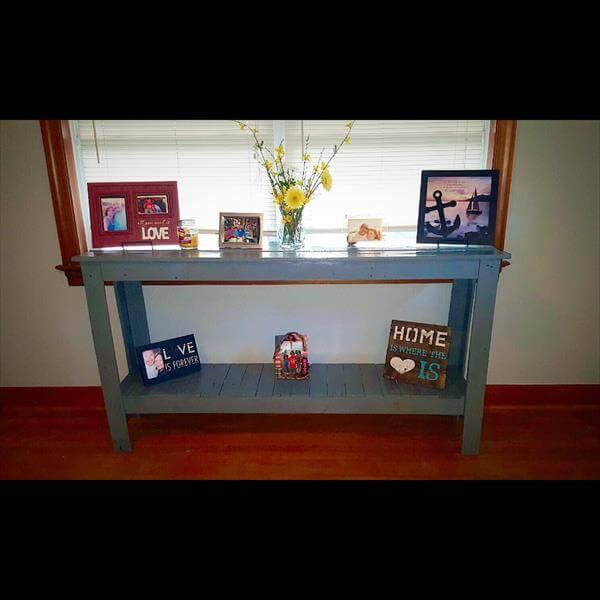 Repurposed pallet entryway table