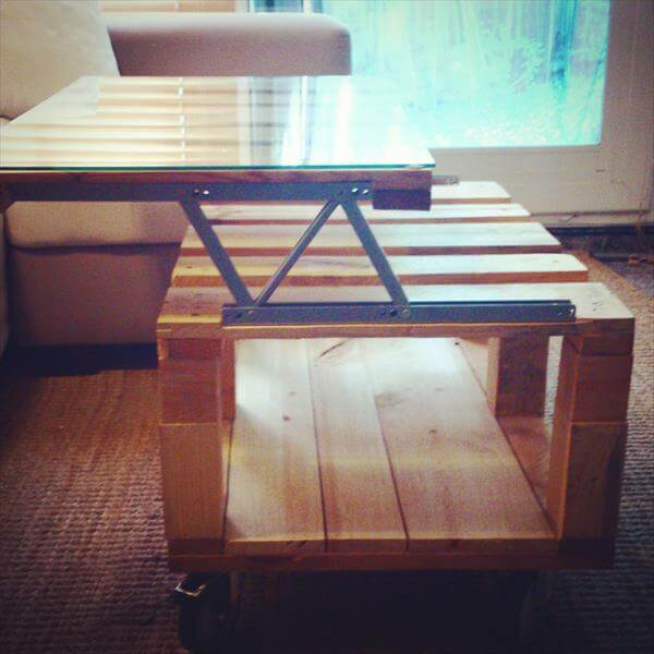 diy wooden pallet expandable coffee table with wheels