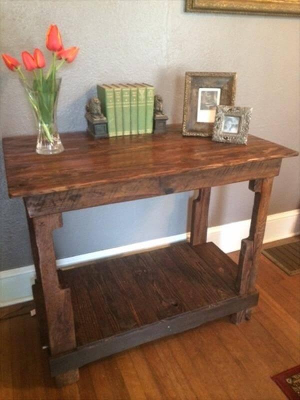Reclaimed pallet multi functional table