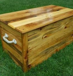 recycled pallet wood storage chest