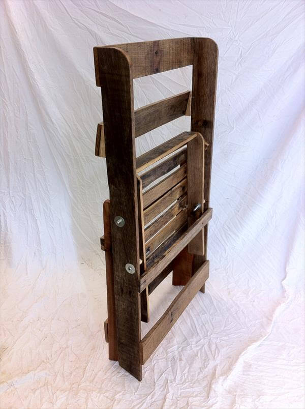 folding chair made of pallets