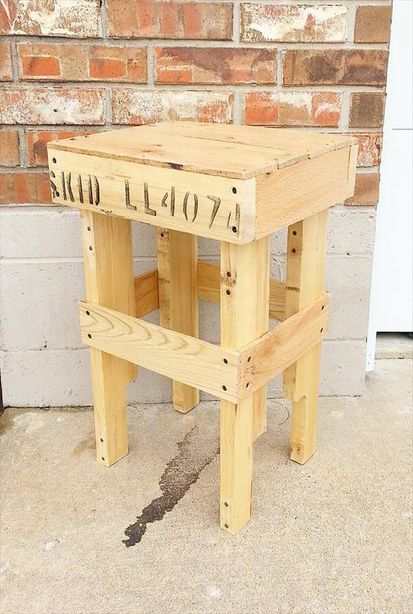 Wood pallet sofa side table nightstand