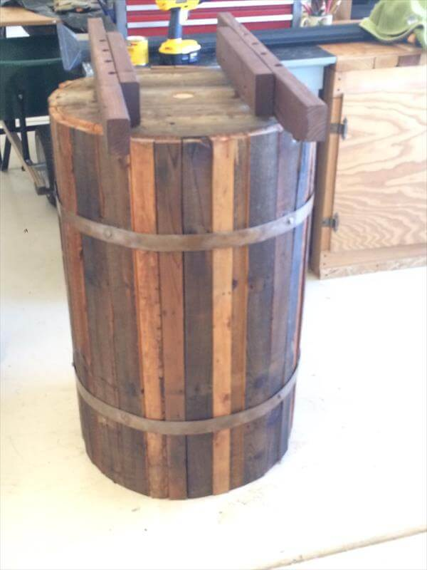 DIY Pallet Coffee Table With Round Base Pallet Furniture DIY