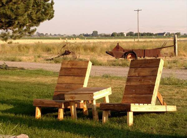 handmade wooden pallet chair set