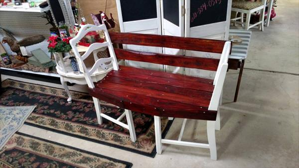 Pallet and old chairs patio bench pallet furniture diy for Pallet shabby chic
