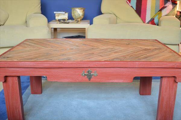 dual toned wooden pallet coffee table