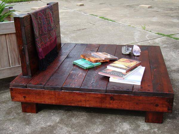 diy meditation chair made of pallets