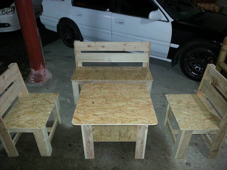 pallet seating set with chairs