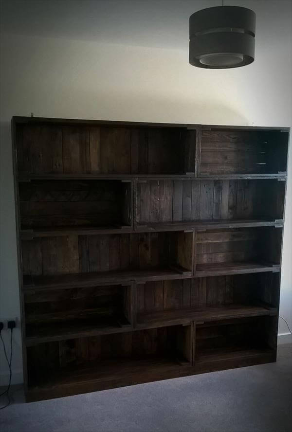 wooden pallet bookcase