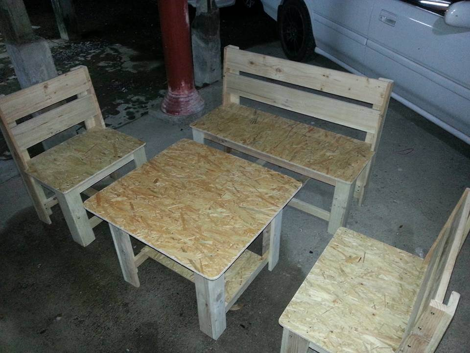 diy pallet seating set