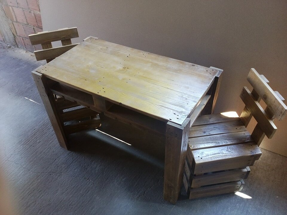Pallet chair and coffee table