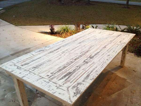 White Washed Pallet Farmhouse Table
