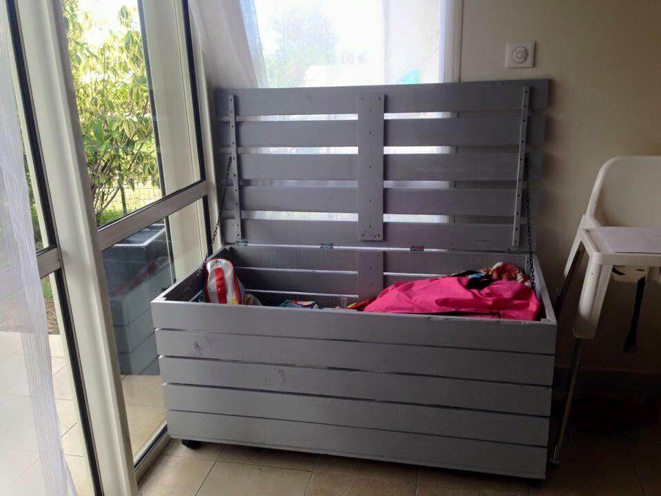 Storage Chest Made from Pallets | Pallet Furniture DIY
