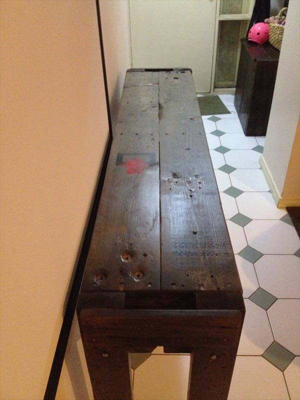 hall table made of pallets