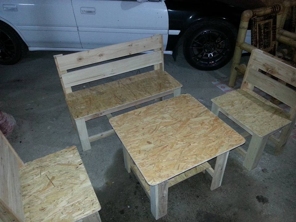 Recycled pallet and chip board seating set