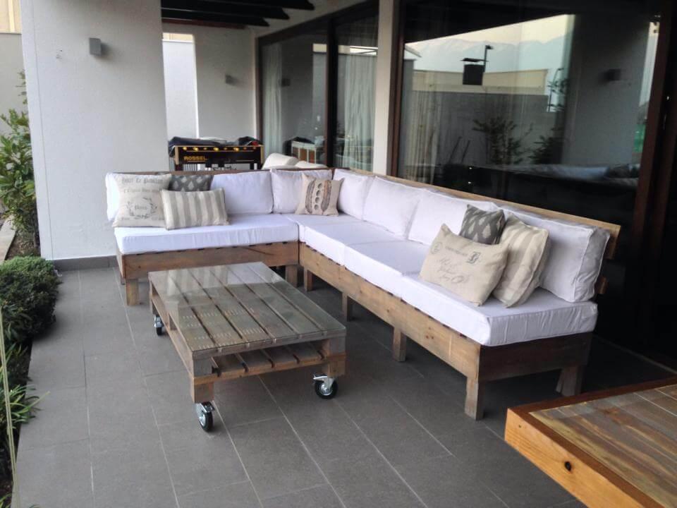 pallet seating set for garden deck