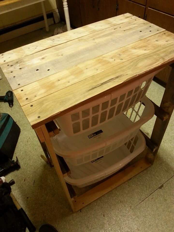 low-cost wooden pallet laundry basket holder