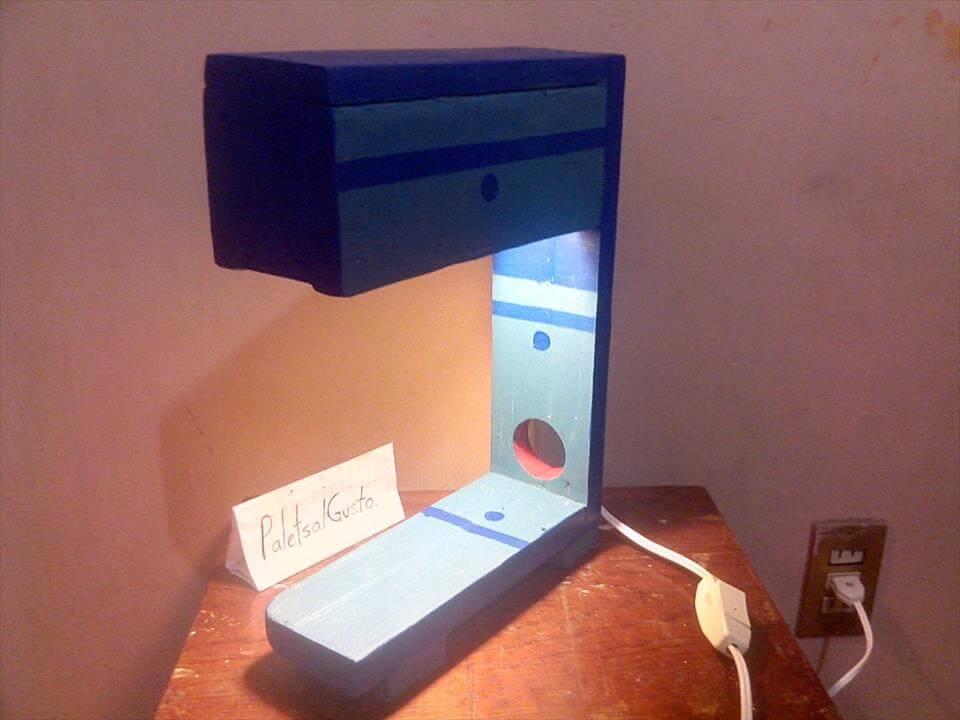 diy pallet table lamp
