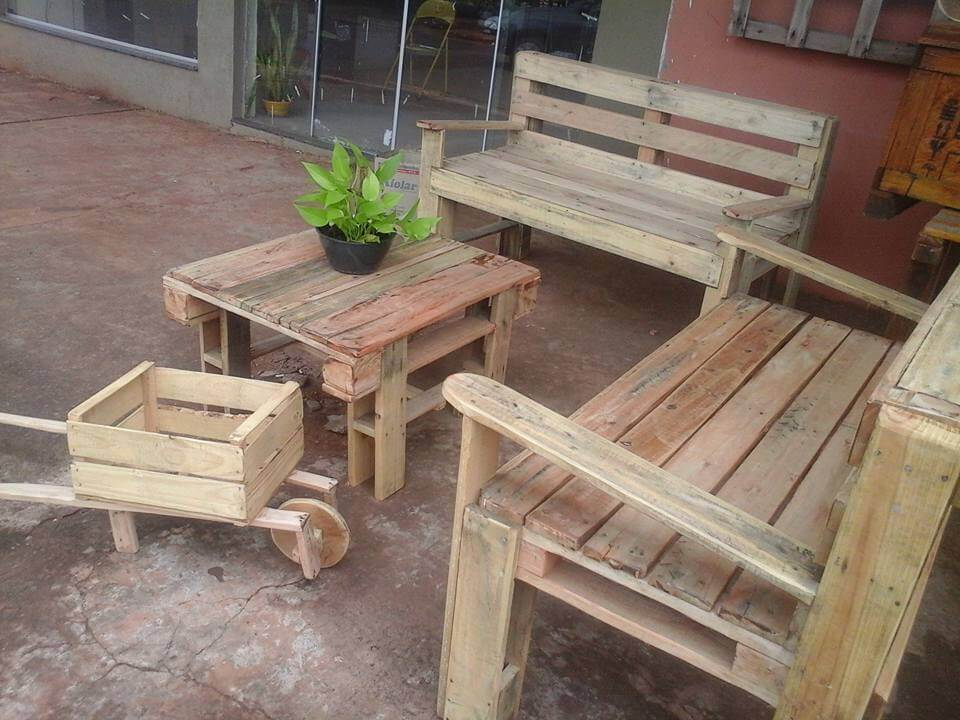 diy pallet outdoor sitting set