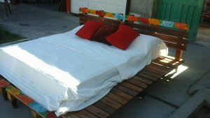 diy pallet rustic bed
