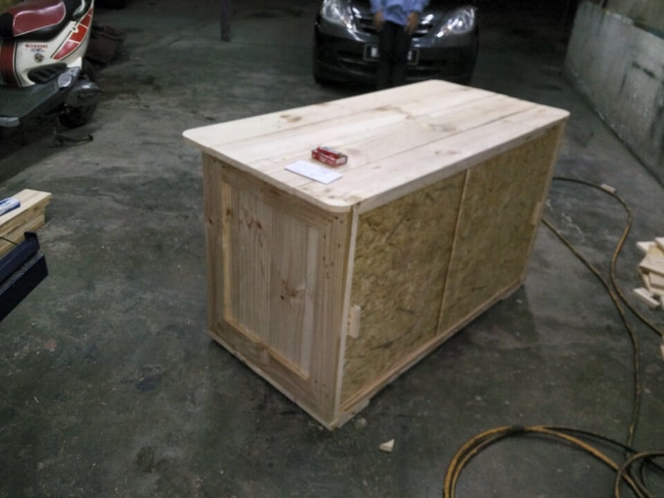 low-cost pallet and plywood office desk