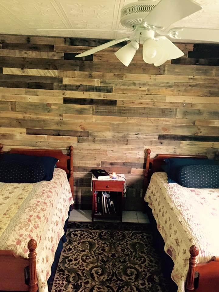 Pallet Wall Paneling for Bedroom   Pallet Furniture DIY on Pallet Bedroom  id=51519