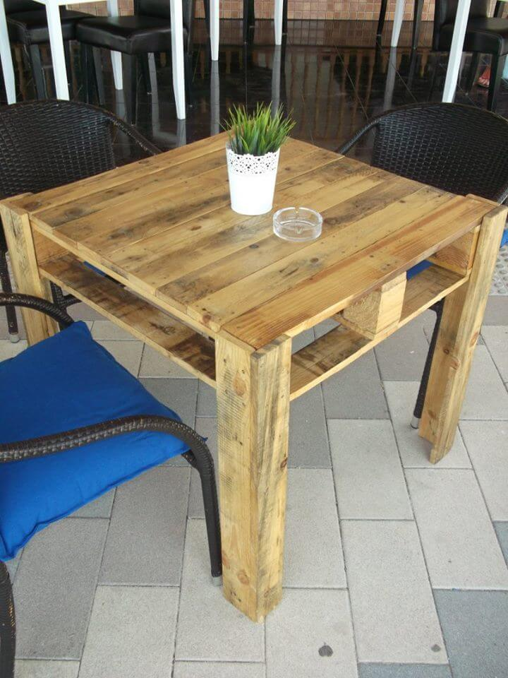 low-cost square shaped pallet coffee table