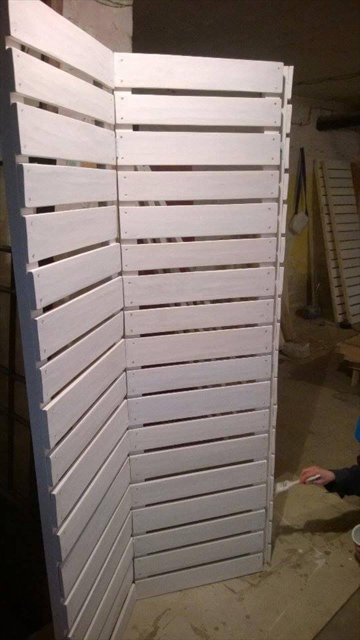 How To Make A Pallet Room Divider