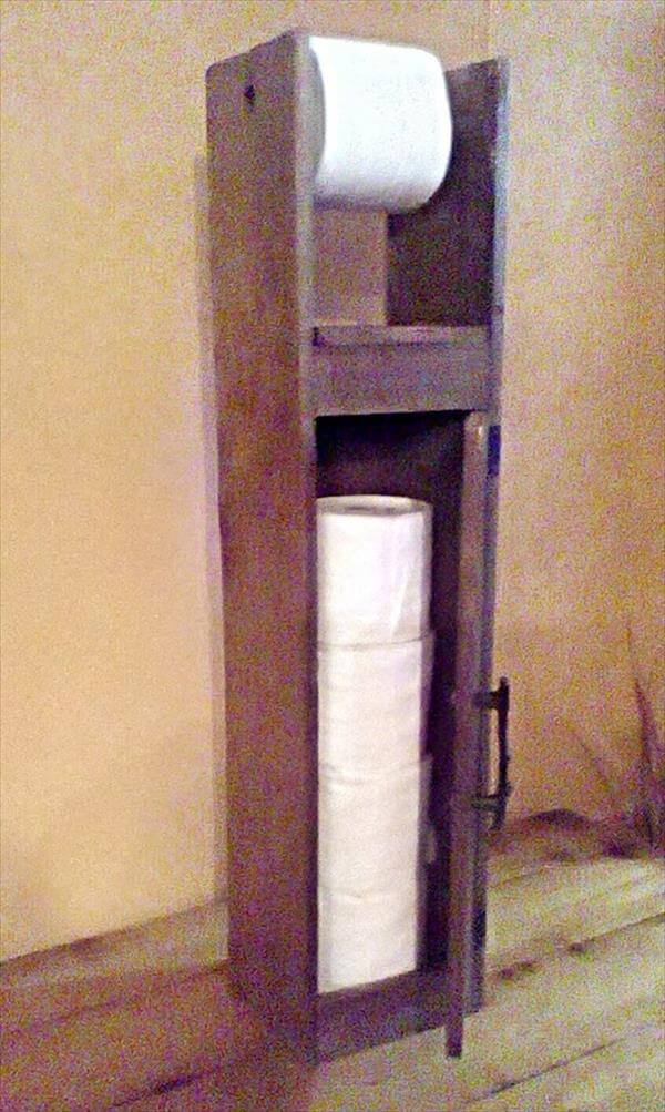 Pallet toilet paper roll holder pallet furniture diy Wood toilet paper holders