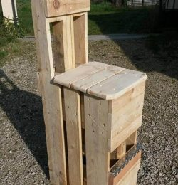 diy pallet fishing chair
