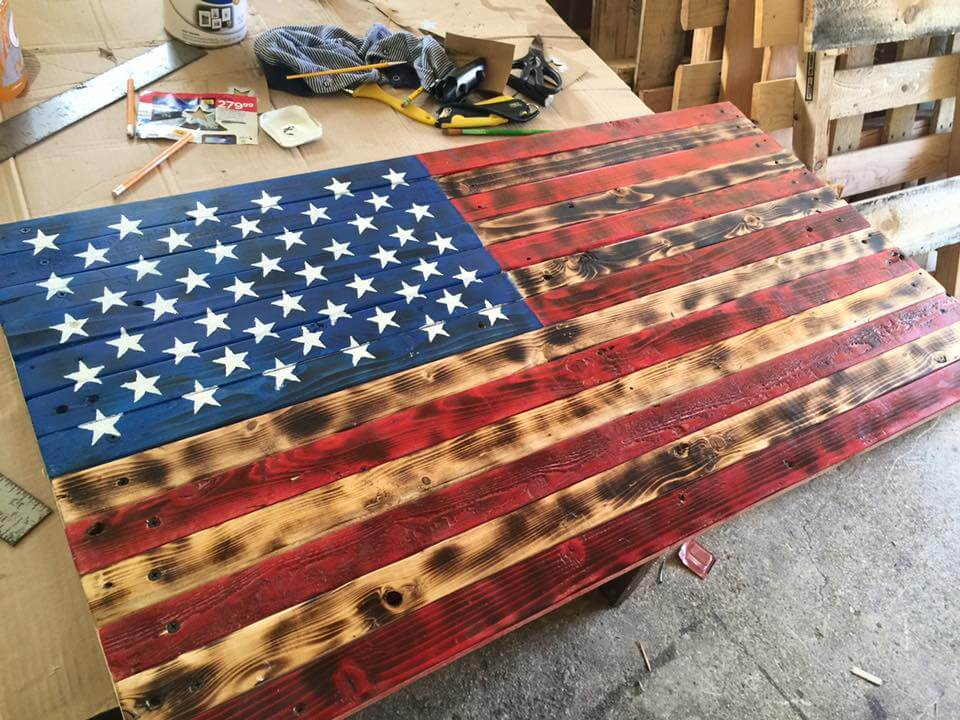 low-cost wooden pallet American flag wall art