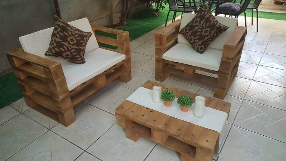 upcycled wooden pallet patio set