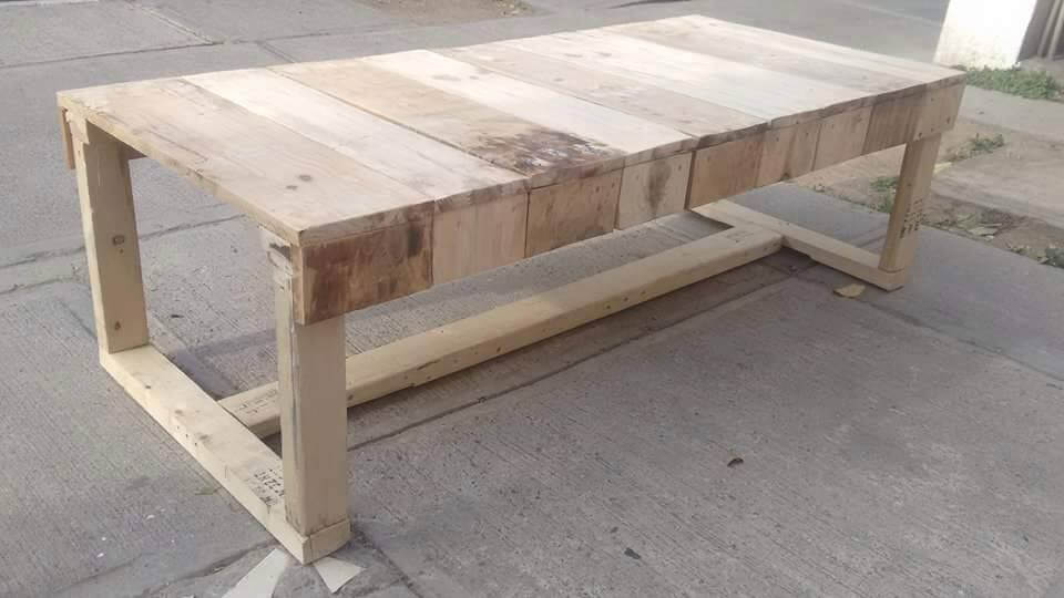colorful pallet bench with flat legs pallet furniture diy. Black Bedroom Furniture Sets. Home Design Ideas