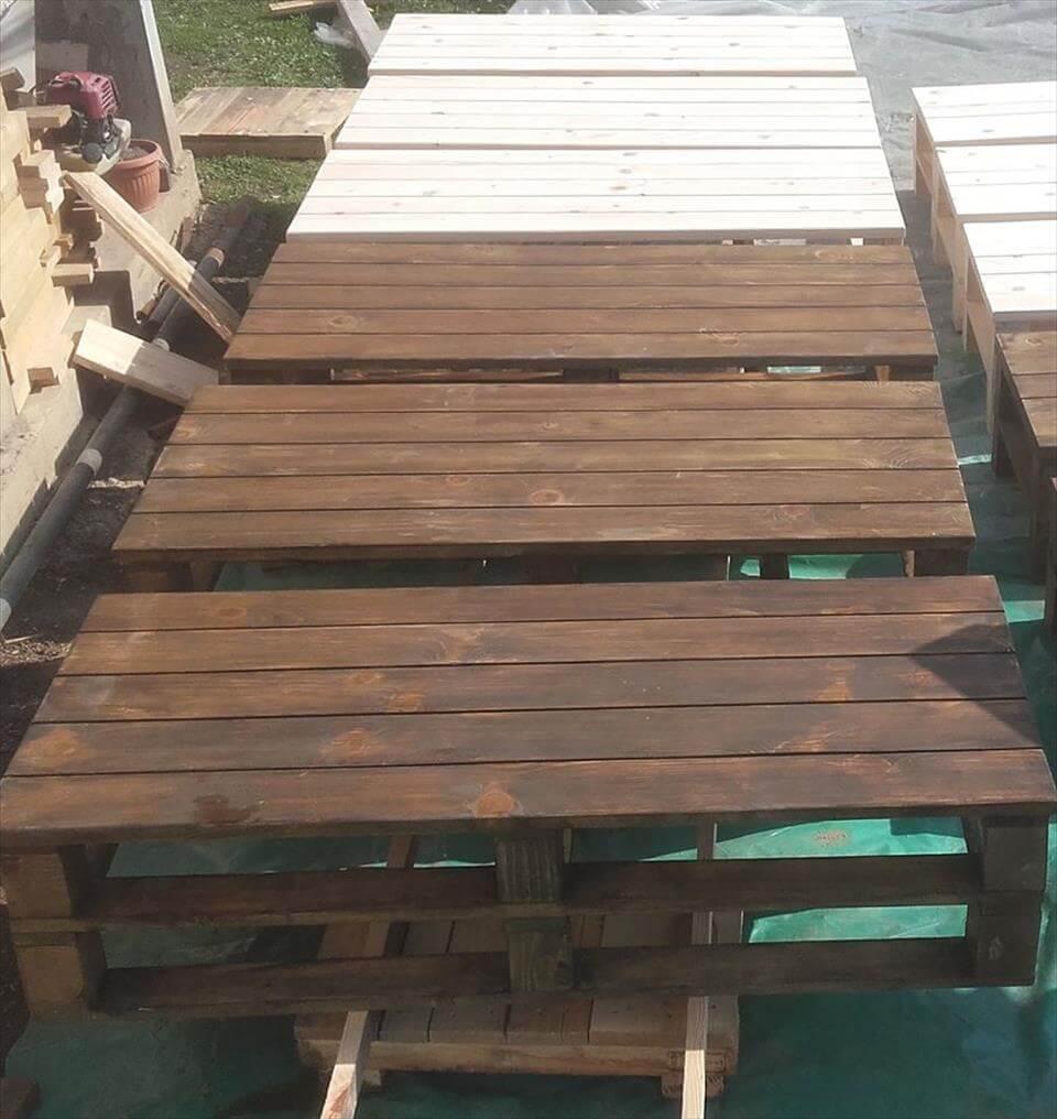 Repurposed pallet seating set