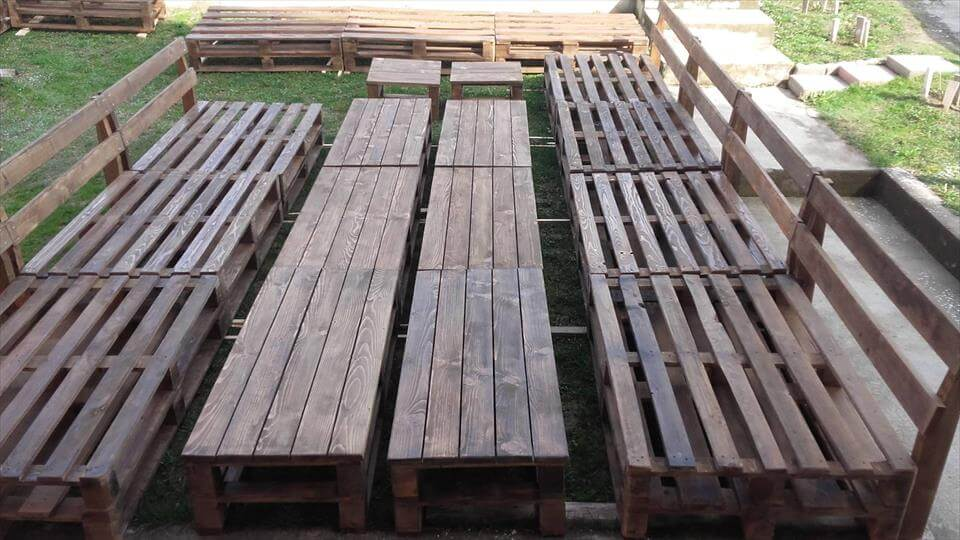 Upcycled pallet seating set