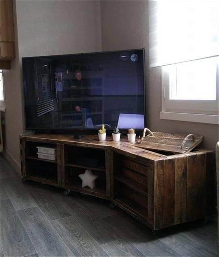 no-cost wooden pallet sectional TV console