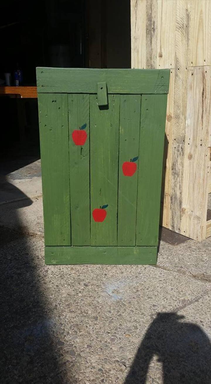 diy pallet trash can holder