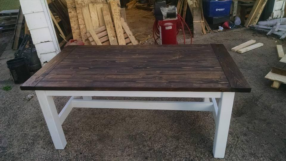Diy Antique Style Pallet Coffee Table Pallet Furniture Diy