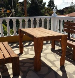 upcycled wooden pallet patio sitting set