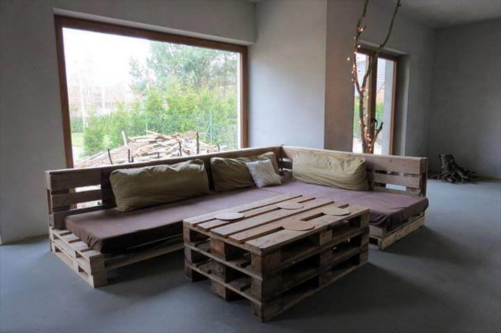 Wooden pallet sofa and coffee table