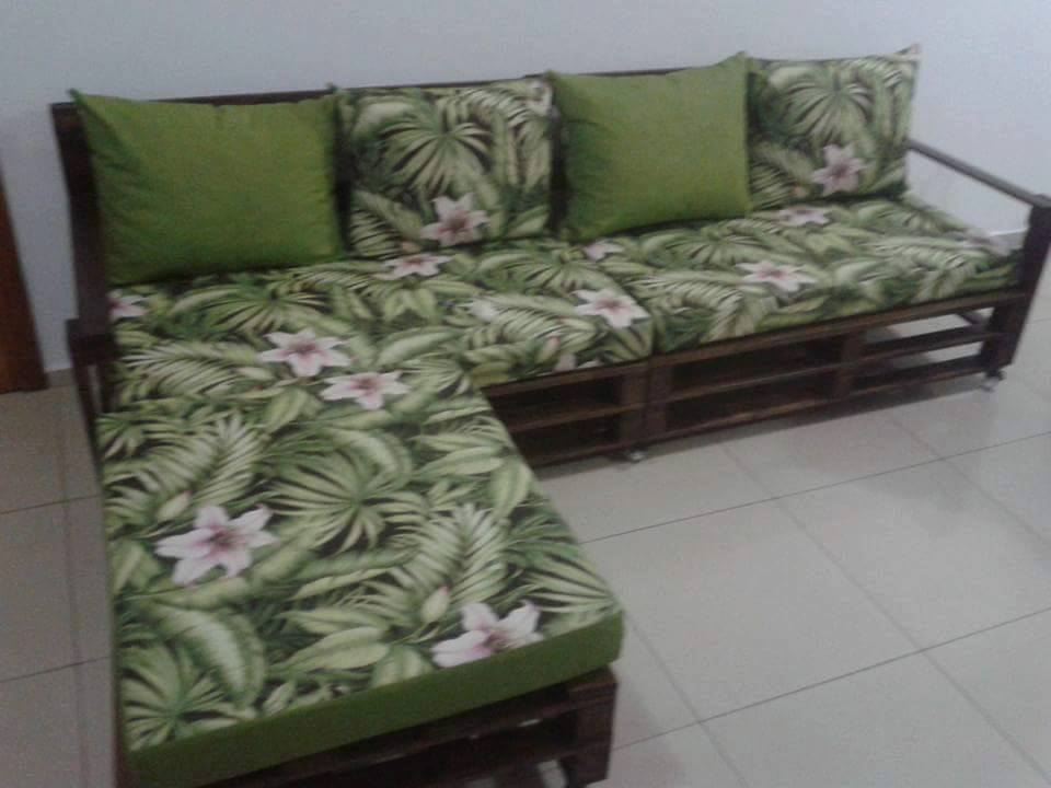Repurposed pallet sofa
