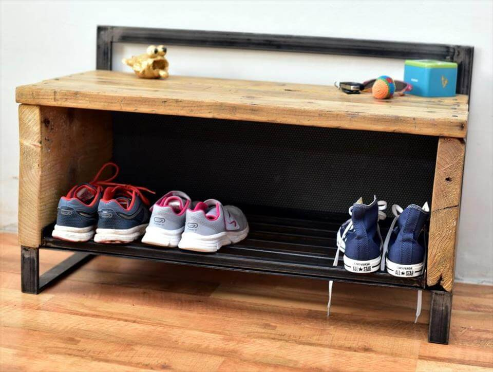 shoes rack made of pallets and metal scrap