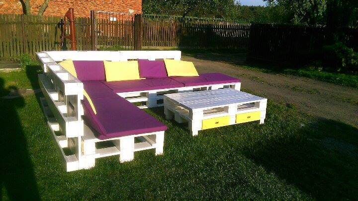 Recycled pallet corner sofa with coffee table