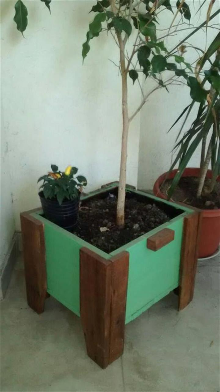 upcycled wooden pallet painted planter