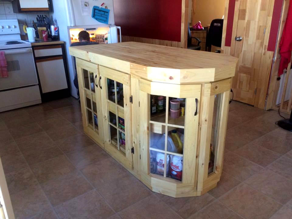 stylish and modern pallet kitchen island