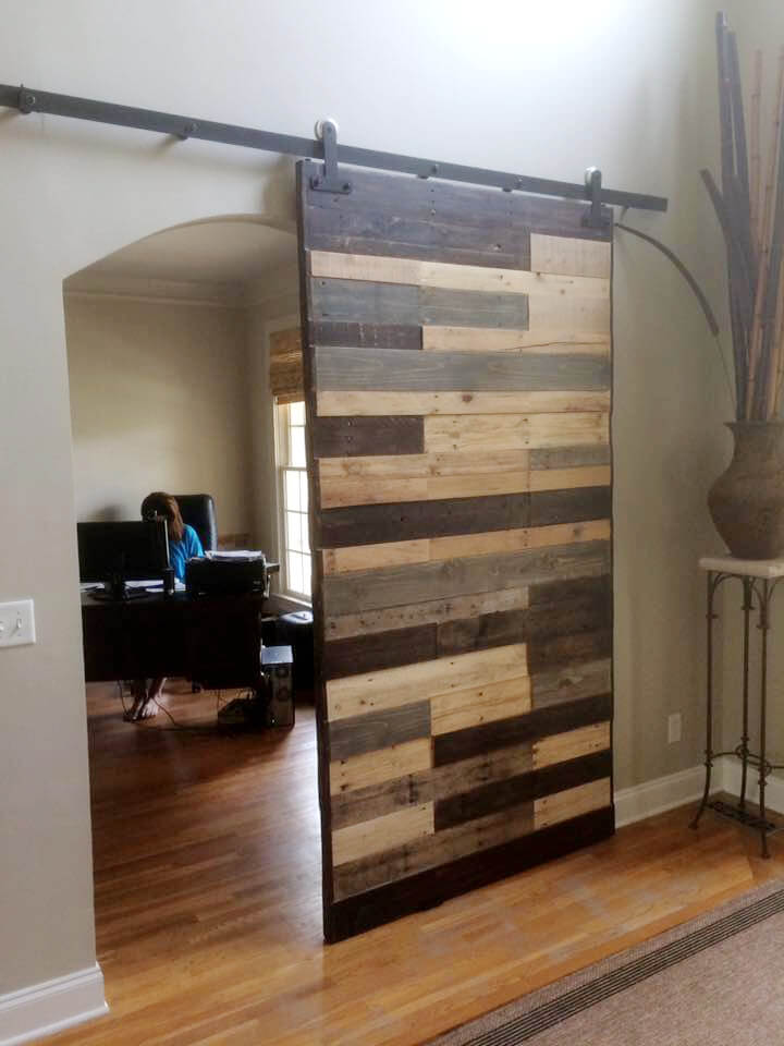 recycled pallet sliding gate