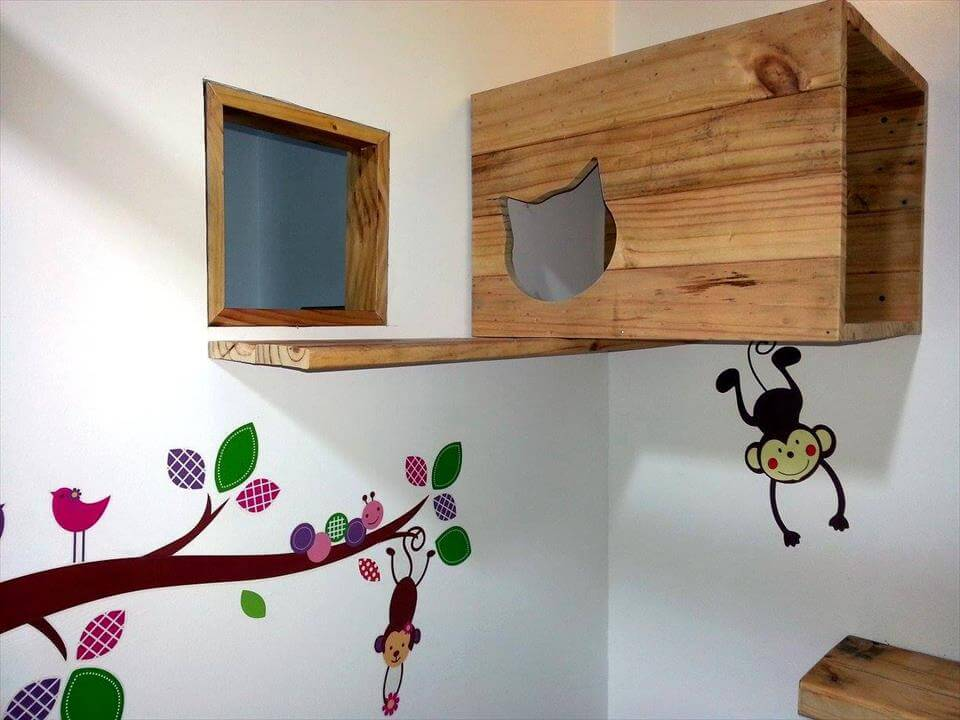 Gorgeous pallet car play station,
