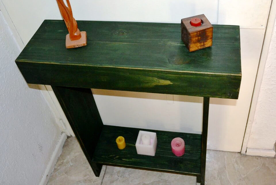 no-cost wooden pallet console